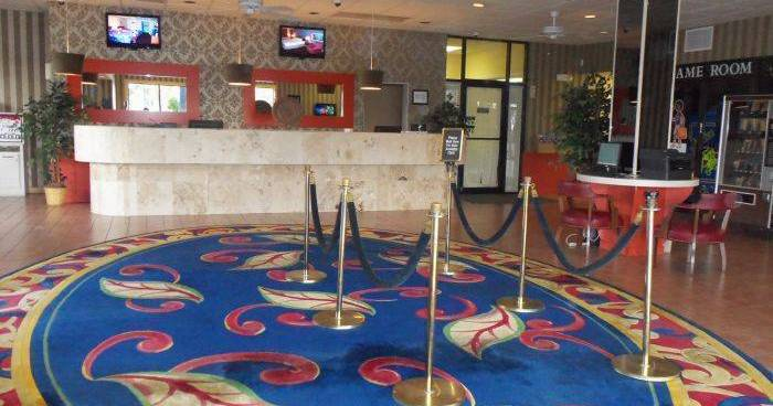 Make cheap reservations at a hotel like Claremont Kissimmee Hotel